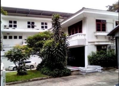 เช่าบ้านพระราม 9 เพชรบุรีตัดใหม่ : RH396ให้เช่าบ้านเหมาะทำออฟฟิตขนาด 137ตรว 3 ห้องนอน 5 ห้องน้ำ 1 ออฟฟิศ ใกล้ MRT พระราม 9