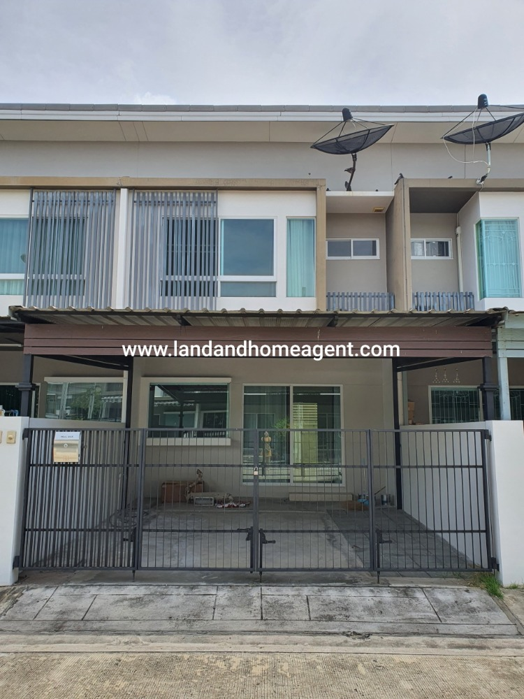 For SaleTownhouseBangna, Lasalle, Bearing : Sell Indy Townhouse, Srinakarin Soi Si Dan 22, with good condition