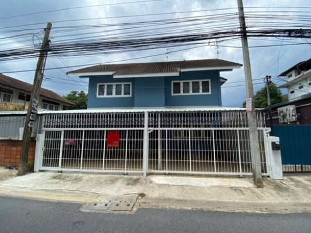 For RentHouseLadprao 48, Chokchai 4, Ladprao 71 : House for rent, Soi Ladprao 69, beautiful house, Renovate, new whole house, new air conditioners, 3 machines, parking for 4 cars, company registration.