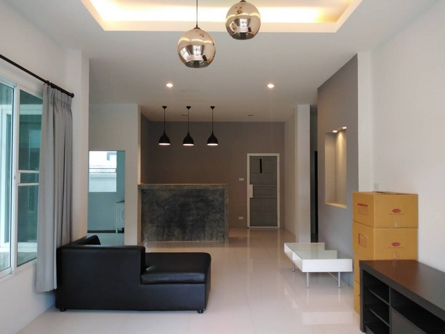 For RentHouseChiang Mai, Chiang Rai : Modern style large house for rent in Chotana Road, Soi 12, Chang Phueak