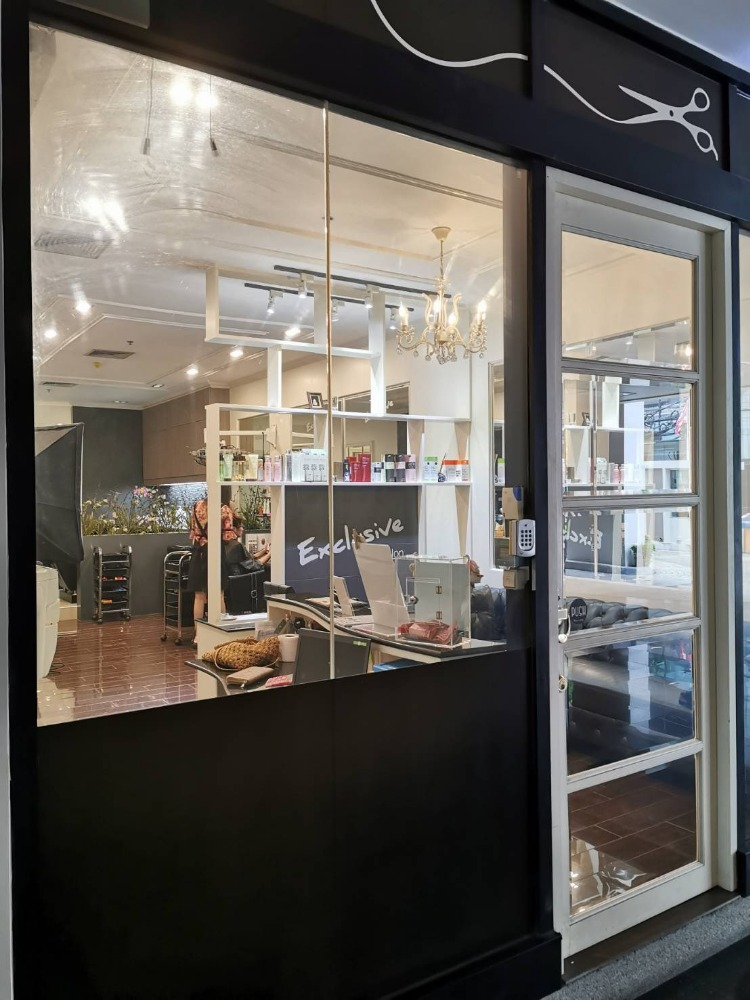 For SaleCondoAri,Anusaowaree : For Sale: Centric Scene Paholyothin 9, near BTS Ari, 1st floor, can do business Now opening a Korean beauty salon. Selling with a renter at 28,000 baht per month