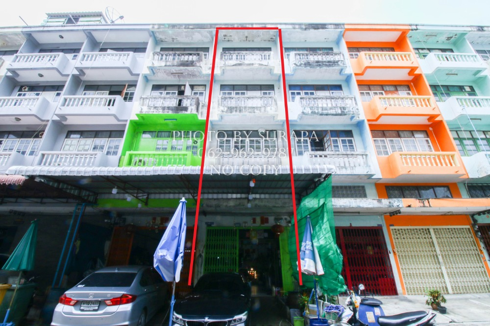 For SaleShophouseEakachai, Bang Bon : Commercial building for sale, 4 and a half floors, Jomthong Son 14, 22 sq m, tiled on every floor.