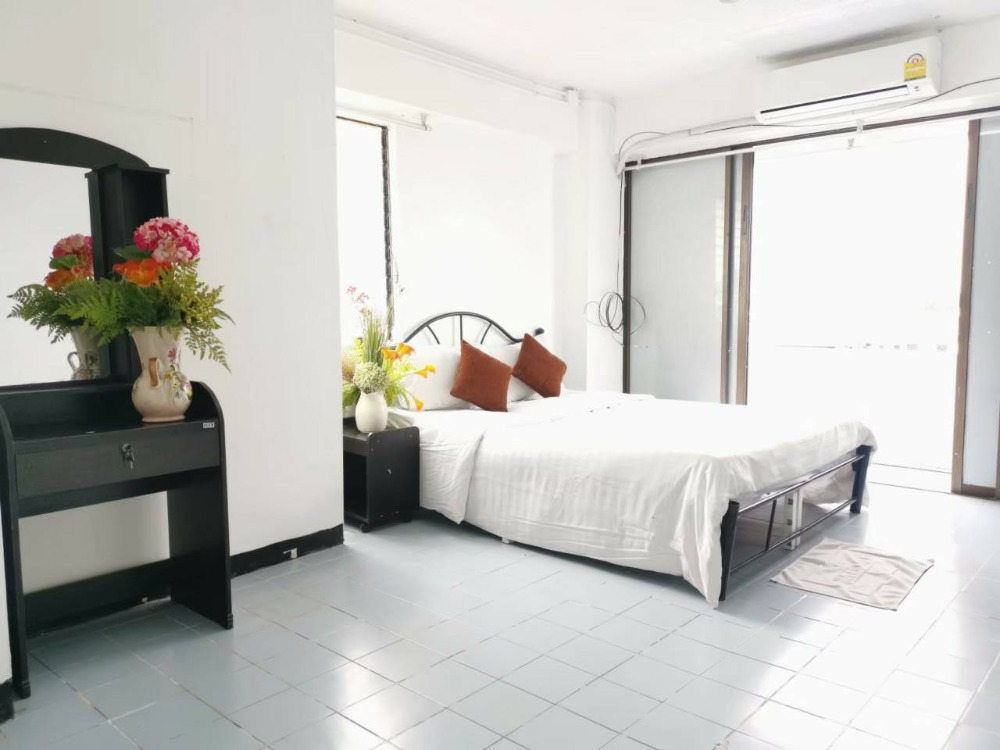 For RentCondoRatchathewi,Phayathai : Rent a room for short term, monthly, Ratchathewi area, near BTS, only 6,500 baht / month, one month can rent!