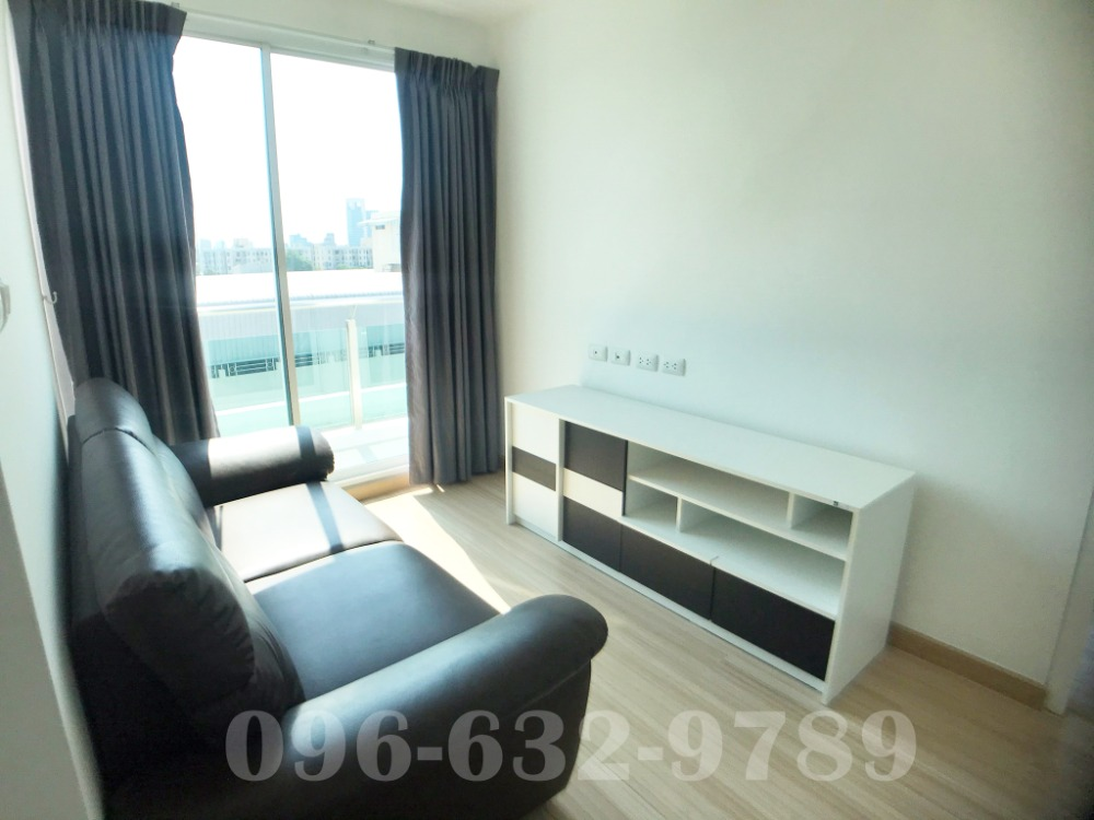 For SaleCondoRatchadapisek, Huaikwang, Suttisan : Very urgent sale !! Condo Chateau In Town Ratchada 19, away from MRT Ratchadaphisek only 120 m. Beautiful room, fully furnished, 32 sq m. 8th floor, the cheapest sale