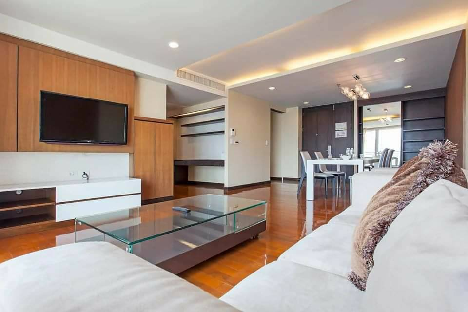 For RentCondoSukhumvit, Asoke, Thonglor : Double Trees Residence -  Pet friendly ,165 sqm thonglor area, 2bed