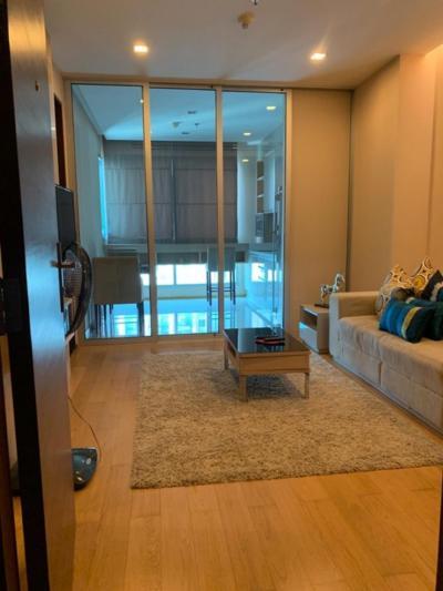 เช่าคอนโดพระราม 9 เพชรบุรีตัดใหม่ : ให้เช่า 1 ห้องนอน 1 ห้องน้ำ ครัวปิด ชั้นสูง 47 ตร.ม.  23,000 บาท