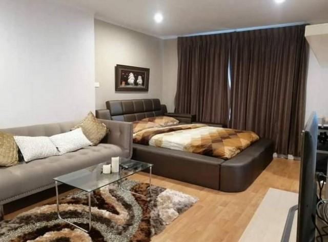 For RentCondoRamkhamhaeng, Hua Mak : AE0266 Condo for rent, Lumpini Ville Ramkhamhaeng 44, size 30.5 sqm, 9th floor, corner room, city view, pool view.