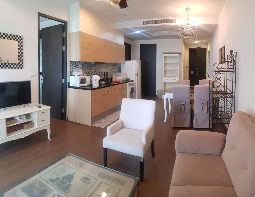 For RentCondoWitthayu,Ploenchit  ,Langsuan : Beautiful room for rent Decorated in vintage style, The Address Chidlom has many rooms in the project, call 0645414424.