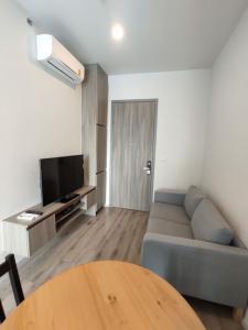 For RentCondoKasetsart, Ratchayothin : Brand new room for rent, Knightsbride prime Ratchayothin.