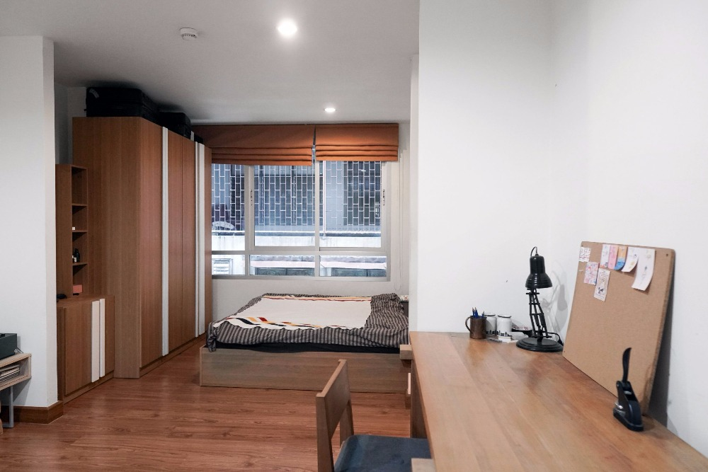 For SaleCondoRatchathewi,Phayathai : HOT DEAL !! Wish @ SIam Studio 31.09Sqm Fully furnished room ready to move in. The cheapest price in the Ratchathewi zone, call 061-445-9915 post.