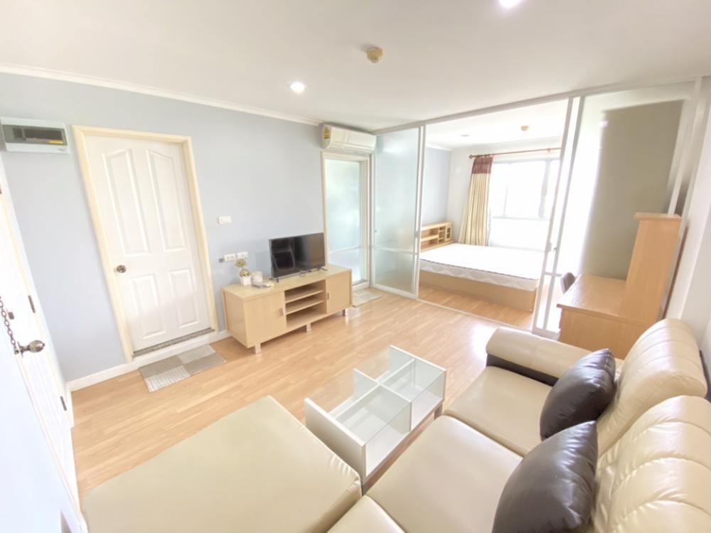 For RentCondoRamkhamhaeng, Hua Mak : Condo for rent: Lumpini Ville Ramkhamhaeng 26, bedroom 33 sqm, Building C, 5th floor, East, pool view 7,500 baht 064-959-8900