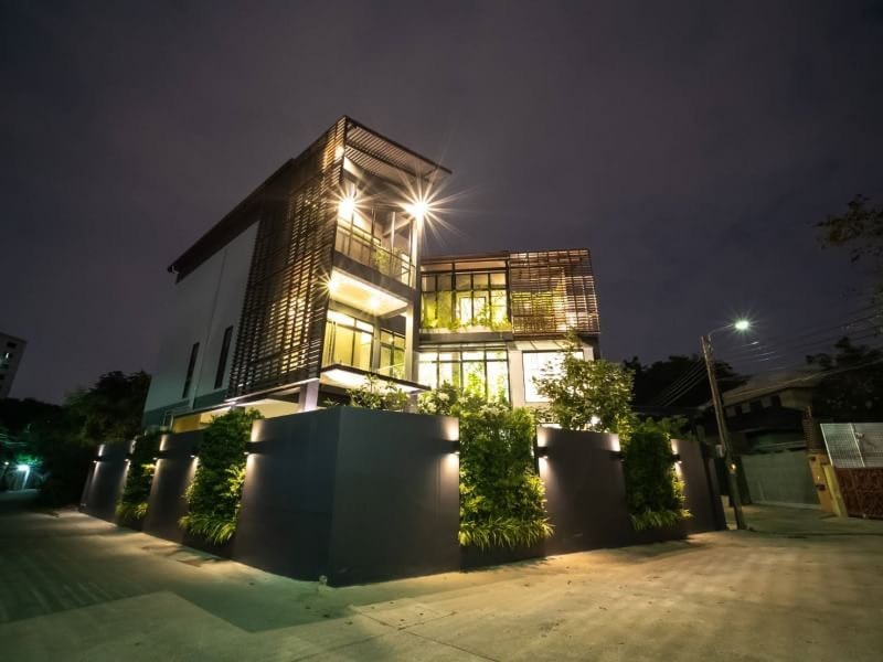 For SaleHouseOnnut, Udomsuk : Sell a new single-storey 3-storey house, Soi Pridi Banomyong, Sukhumvit 71, modern style. Suitable as a home office Or stay by yourself in chic style