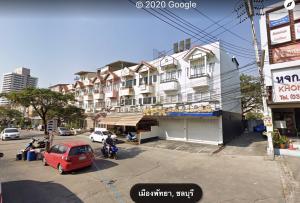 ขายตึกแถว อาคารพาณิชย์พัทยา บางแสน ชลบุรี : ขายอาคารพานิชย์พัทยากลาง 2 คูหา หลังมุม ซอยเพนียดช้าง จอดรถได้หลายคันมาก