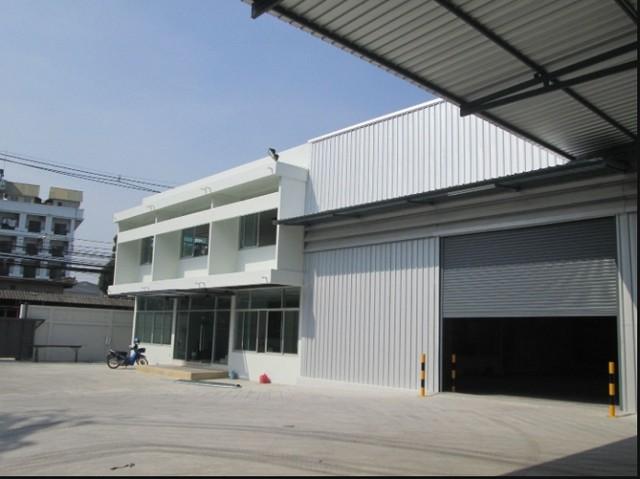 For RentWarehouseRama3 (Riverside),Satupadit : RK029 Warehouse for rent with office, 800 square meters, ten-wheel truck, next to Rama 3 road.