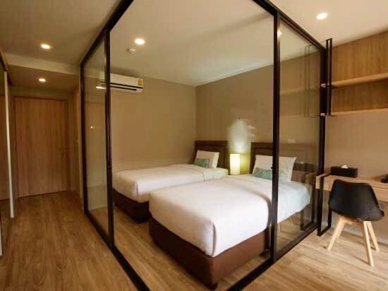 For RentCondoSathorn, Narathiwat : Condo for rent Blossom Condo @ Sathorn - Charoenrat  fully furnished (Confirm again when visit).