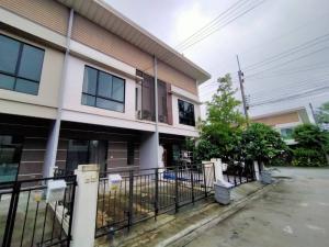 For RentTownhouseLadkrabang, Suwannaphum Airport : Special discount! 2-storey townhome for rent, Modi Villa, Modi Villa, Ladkrabang-Suvarnabhumi / 9,900 baht.