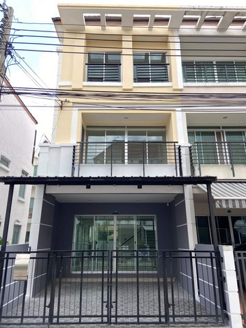 For SaleTownhouseKaset Nawamin,Ladplakao : AE0272 3-storey townhome for sale after the whole new renovated rim Baan Klang Muang Urbanion Ladprao Chokchai 4