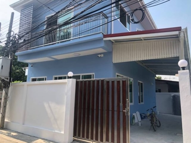 For SaleHouseThaphra, Wutthakat : 2 storey detached house for sale, Charansanitwong Soi 3, new house, never been in good location, special price