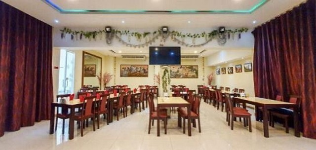For RentShophouseRama9, RCA, Petchaburi : 4-storey commercial building for rent, suitable for restaurant, near BTS Phrom Phong, near Emporium, Sukhumvit area