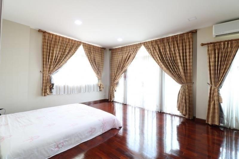 For SaleHouseLadkrabang, Suwannaphum Airport : 0682-Y😍 For SELL ขายบ้านเดี่ยว 2 ชั้น 3 ห้องนอน🚄ใกล้ สวนหลวง ร.9 เพียง 5 นาที🏢 Single House Ratchaphruek Exclusive Chalerm Prakiat Rama 9🔔 พื้นที่: 385.56 ตร.ม.💲ขาย:19,500,000.-บาท:099-5919653✅LineID:@sureresidence