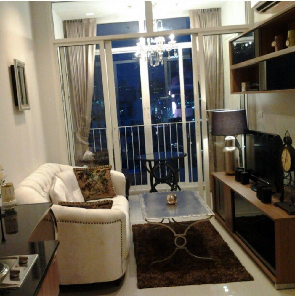 For SaleCondoRatchathewi,Phayathai : For Sell Ideo Verve Ratchaprarop 1bed1bath 34sq.m. 4,300,000 THB Tel 080-446-4900