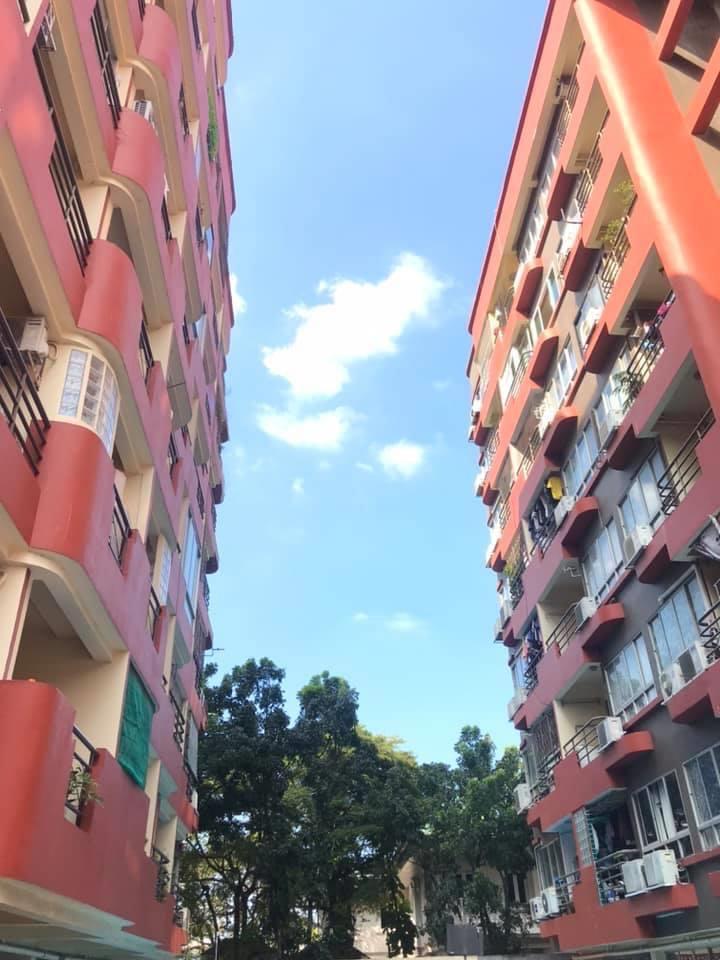 For SaleCondoRama9, RCA, Petchaburi : Cheap sale‼ ️ Duliya Charisma Condo, Rama 9 Road, Intersection 13 (into Soi Chulaphan 600 m.) Building 🅰️ Corner room 43.06 sq m. Just 1 million more.