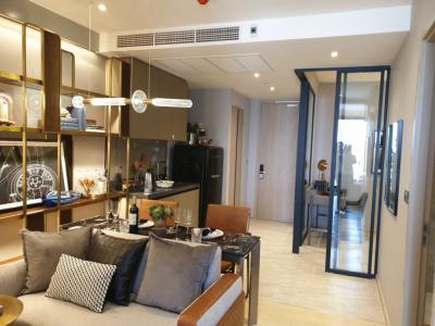 Sale DownCondoRama9, RCA, Petchaburi : Urgent. New promotion. Fully furnished. Ashton rama9 46sq.m. only 9.xxmb only. Very beautiful position. Tel 0957615782