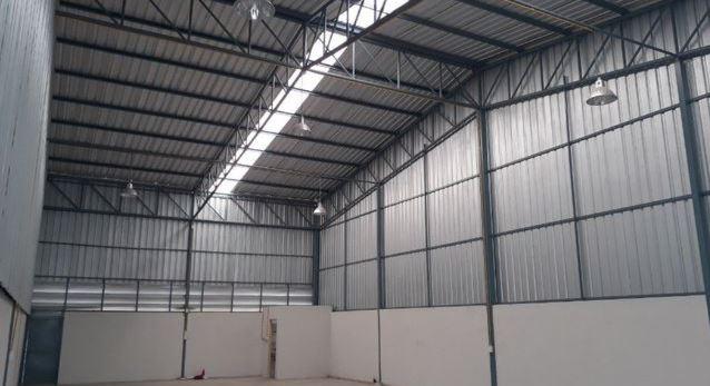 For RentWarehouseChengwatana, Muangthong : MTK006 Warehouse for rent 180 sqm. Soi Tiwanon-Pak Kret 27, next to Ampornpaisan School (Soi Wat Ku), Pak Kret Intersection.
