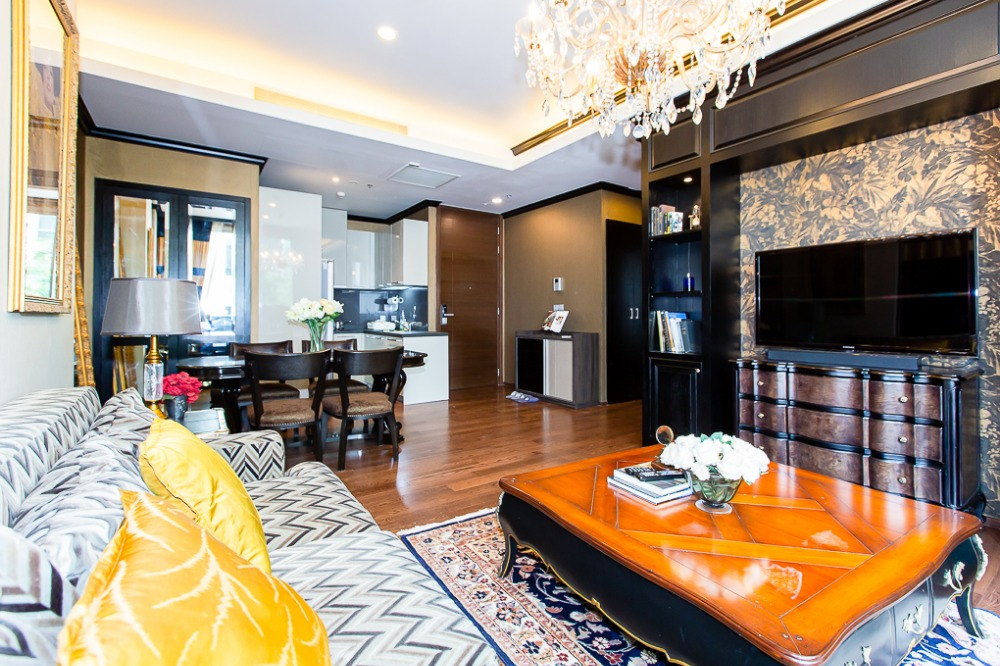 For RentCondoSukhumvit, Asoke, Thonglor : Luxury condo in the heart of Thonglor, convenient transportation, near BTS Thonglor only 600 meters, CD133702