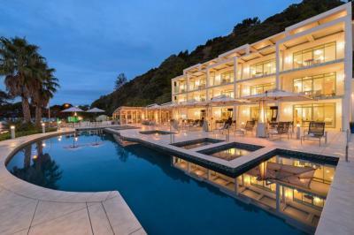 เช่าขายเซ้งกิจการ (โรงแรม หอพัก อพาร์ตเมนต์)พัทยา บางแสน ชลบุรี : ให้เช่ากิจการโรงแรมศรีราชา ระดับ 3 ดาว 47ห้องพัก ใกล้ทะเล 600 เมตร
