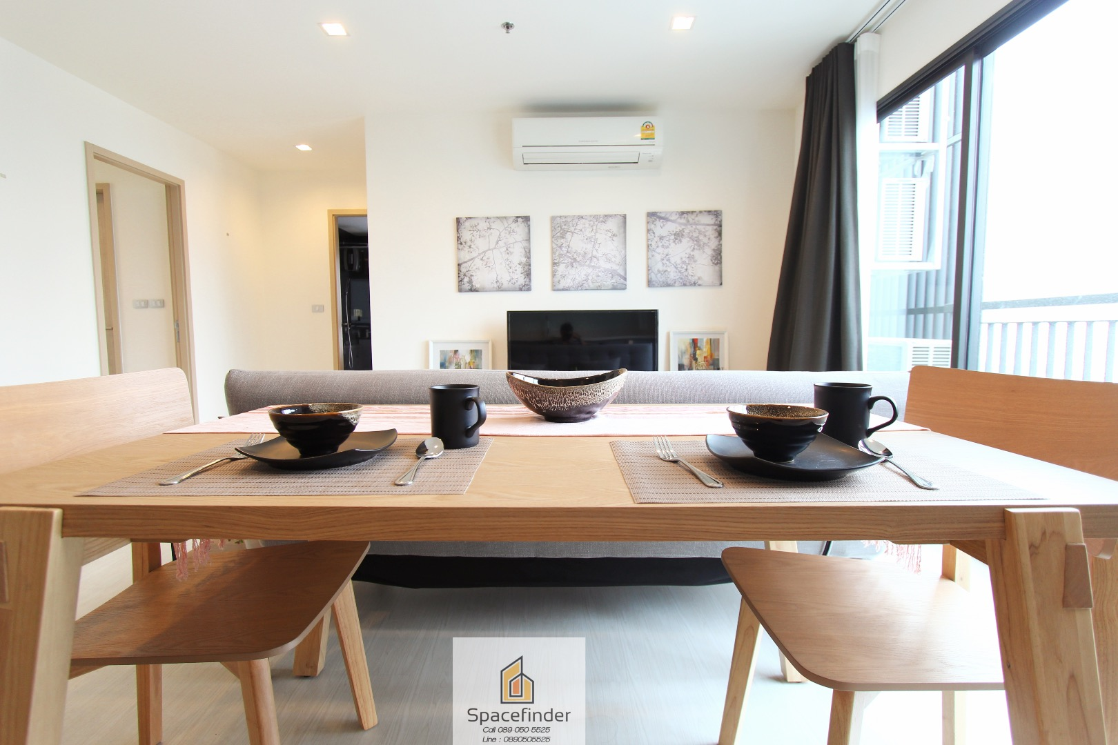 New unit for rent at Rhythm 36-38 Bright & Clean Unit with Minimalist Style. Very close to BTS Thonglor Face West with Large living room.