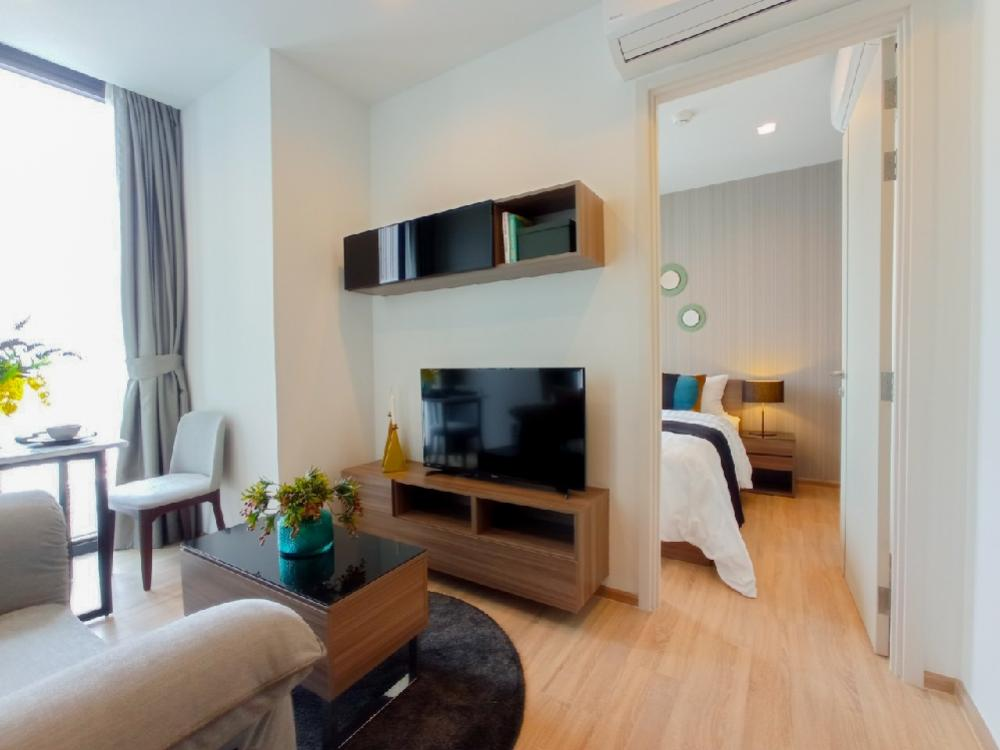 For RentCondoSapankwai,Jatujak : Walk in closet🔥 Condo for rent, THE LINE Phahon - Pradipat, near BTS Saphan Khwai, 1 bedroom, closed kitchen, area 34 sq.m., 40th floor, very beautiful room, promotion for rent 12 months, stay free, 13th