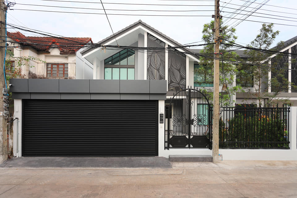 For SaleHouseLadprao, Central Ladprao : Sell a new twin house, Lat Phrao, 200 meters away from BTS Phawana station.