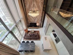 For SaleCondoSukhumvit, Asoke, Thonglor : VITTORIO 2 + 1 bed duplex 168sqm 72 mil Call / Line: Am 0656199198 Whatsapp / Wechat: 0849429988