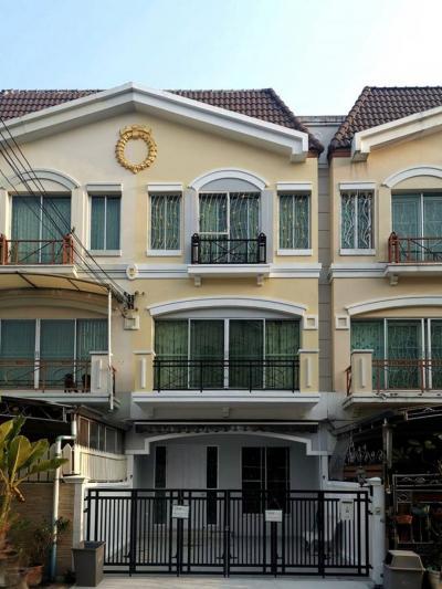 เช่าทาวน์เฮ้าส์/ทาวน์โฮมพัฒนาการ ศรีนครินทร์ : ให้เช่าทาวน์โฮม 3 ชั้น บ้านกลางเมือง ศรีนครินทร์ 24 townhouse for rent srinakarin 24