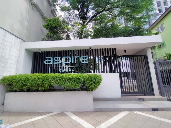 For SaleCondoKhlongtoei, Kluaynamthai : Condo for sale: Aspire Rama 4, near BTS Ekkamai, building b, corner room, next to Kluay Nam Thai intersection, cheap.