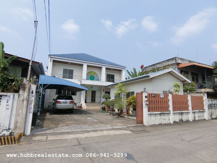 For SaleHouseSukhumvit, Asoke, Thonglor : 2 storey detached house for sale, 101 square wa. Sukhumvit 93 (Soi Phueng Mi 30), near Bang Chak BTS station.