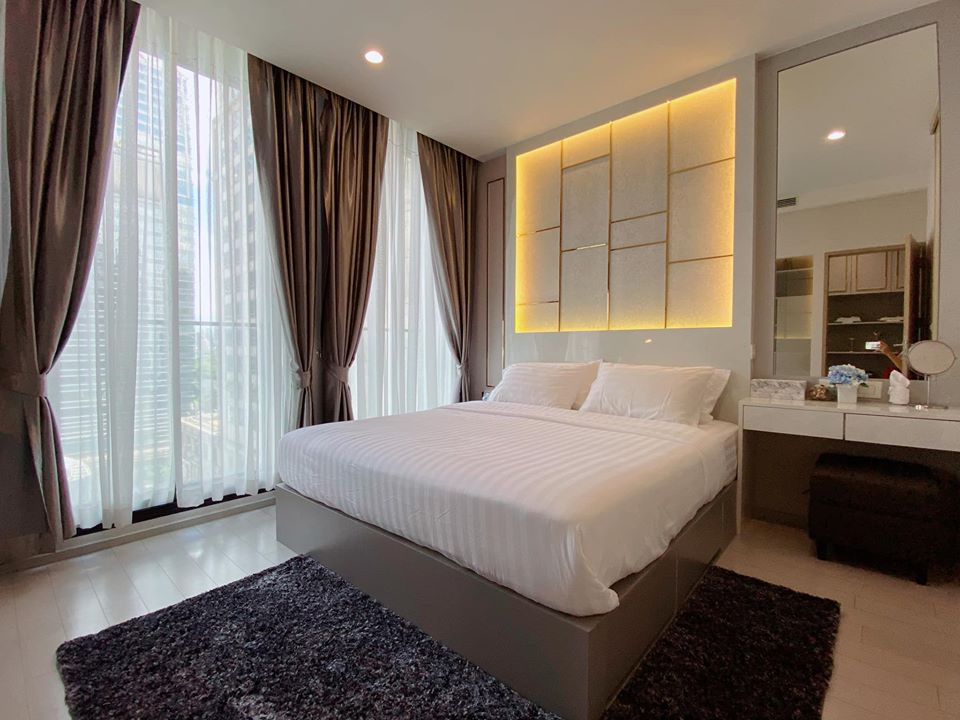 For RentCondoWitthayu,Ploenchit  ,Langsuan : SALE / RENT • Noble Ploenchit • Fully furnished, great view with furniture and all appliances