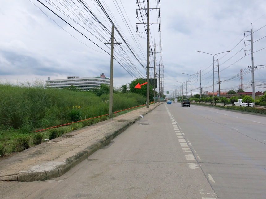 For SaleLandLadkrabang, Suwannaphum Airport : Land on Chalong Krung Road, Lat Krabang, 16-1-76 rai, beautiful plot, near FBT factory.