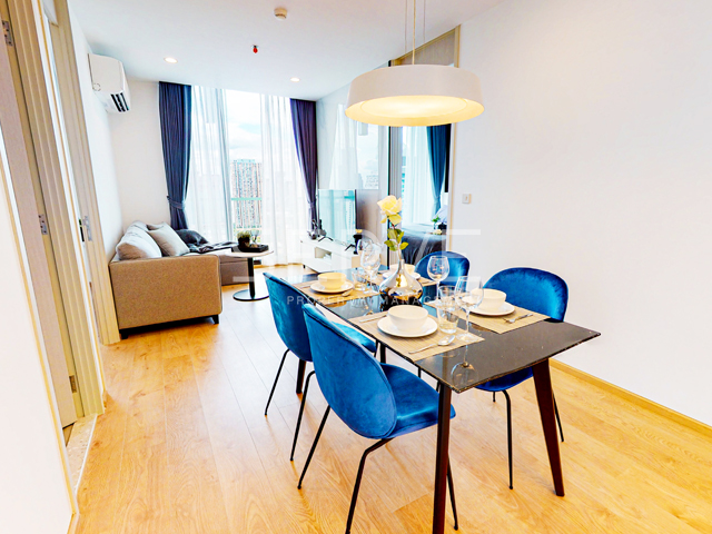 For RentCondoSukhumvit, Asoke, Thonglor : Noble Recole : Corner 2 Bd. Unit in Asoke with City View (North) // High fl. 20+ for Rent