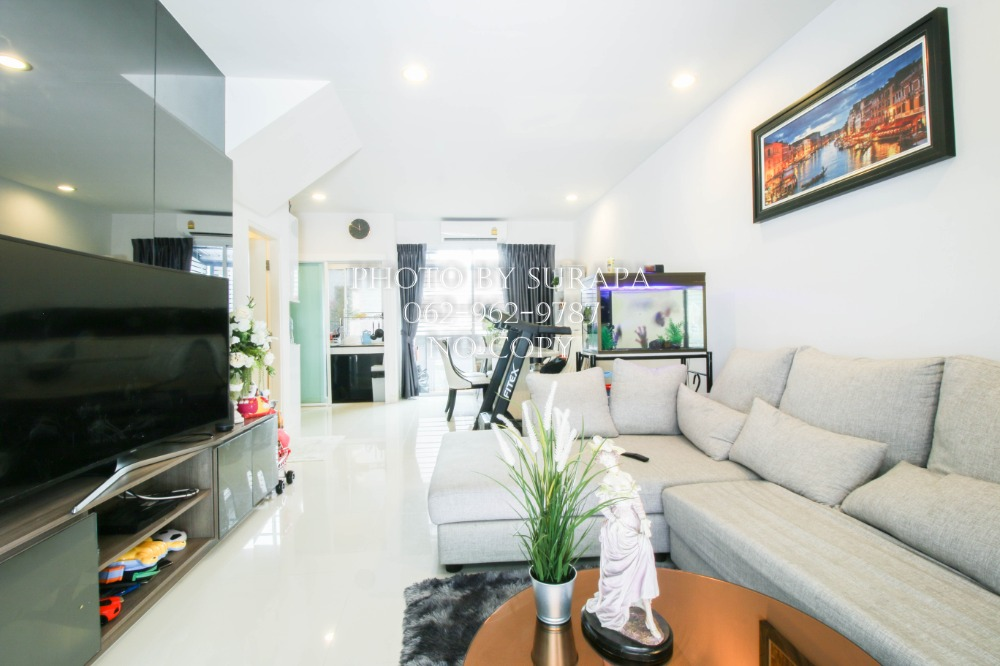 For SaleTownhouseRama5, Ratchapruek, Bangkruai : 3-storey townhome for sale, Baan Klang Muang, Ratchada, Wongsawang, Phibulsongkram, 20 sq m, built-in decoration To fill the area The front of the house does not hit anyone, very good condition, great price, ready to move in.