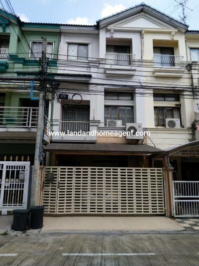 For RentTownhouseRatchadapisek, Huaikwang, Suttisan : Townhome for rent, Baan Klang Muang, Ratchada-Mengjai 2, ready to move in, good location