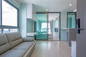 For SaleCondoRatchathewi,Phayathai : Beautiful room and very cheap !!!For sale Rhythm Rangnam Condo, Size 35sqm(1Bedroom/1Bathroom), 2x floor, beautiful view, price only 20x,xxx per sq m.