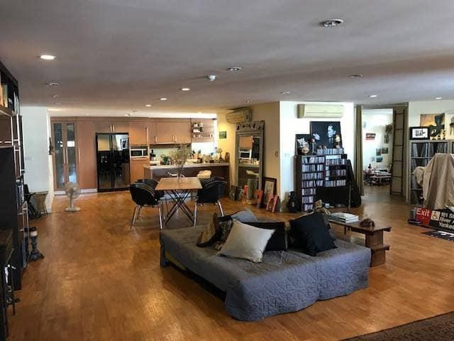 For RentCondoKhlongtoei, Kluaynamthai : Tai Ping Towers for rent / Sale spacious, nice room,  near BTS Ekkamai.