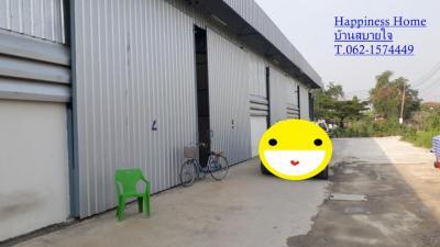 For RentWarehouseChengwatana, Muangthong : Warehouse for rent, warehouse, very good structure, Soi Wat Ku five intersection, Pak Kret 180. sq m. T.062-1574449