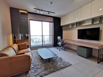 เช่าคอนโดสุขุมวิท อโศก ทองหล่อ : The Lofts Ekkamai for rent / 1 Bedroom 45 Sq.m / 35 K