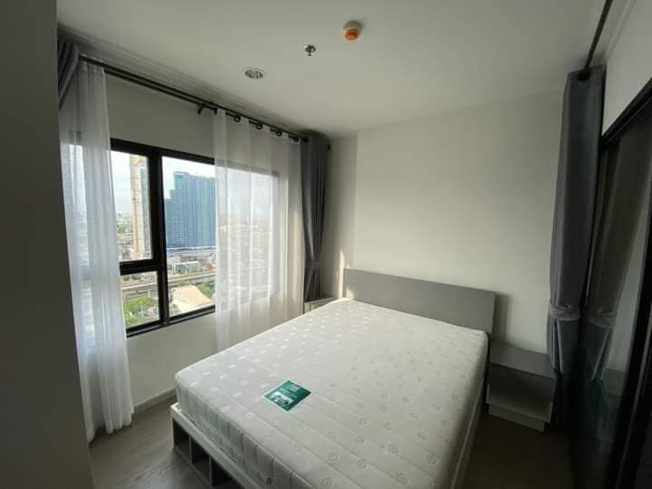 For RentCondoThaphra, Wutthakat : Condo for rent, Aspire Sathorn - Taksin, pool view and city view, washing machine.