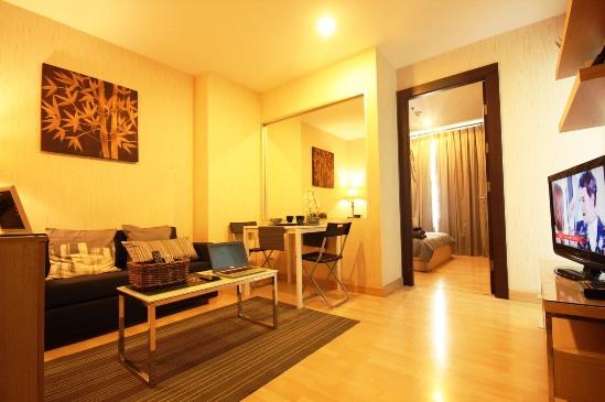 For RentCondoRatchadapisek, Huaikwang, Suttisan : Urgent Rent  Rhythm Ratchada 1 bedroom , 36  sqm high floor  Swimming pool fully furnish