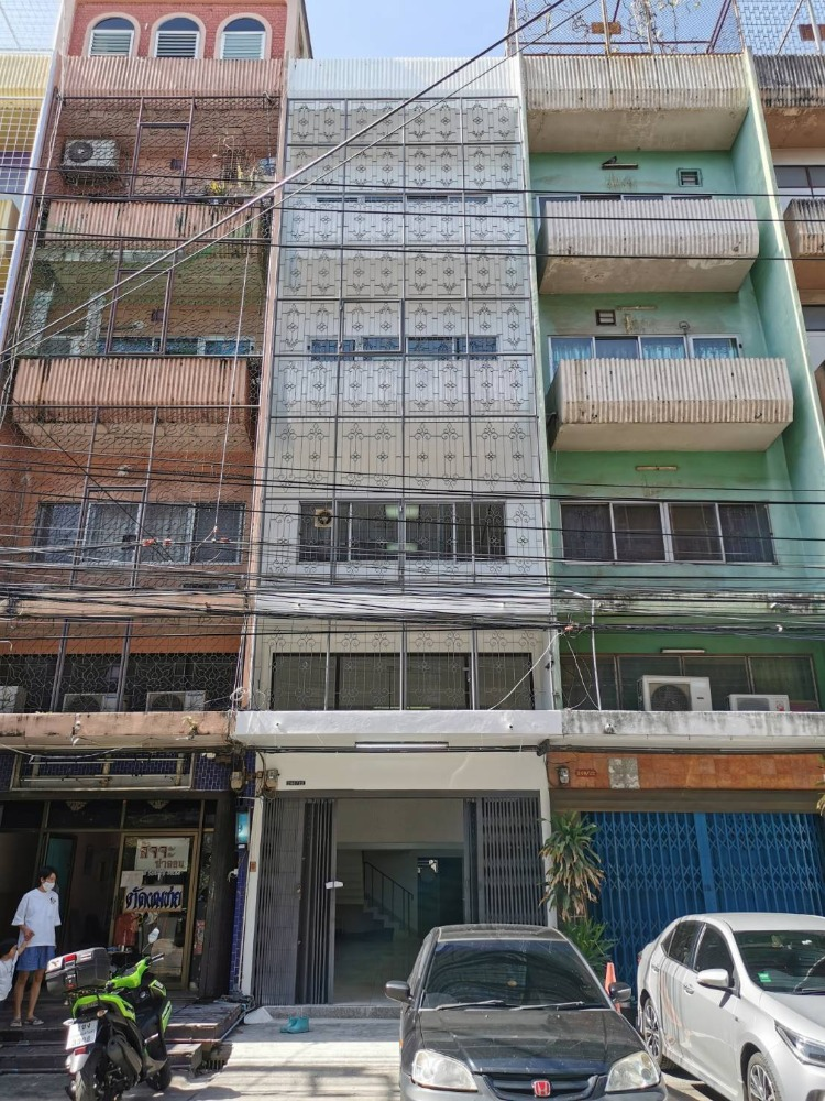 For RentShophousePinklao, Charansanitwong : H268-For rent. 4 and a half storey commercial building next to MRT Torch Station