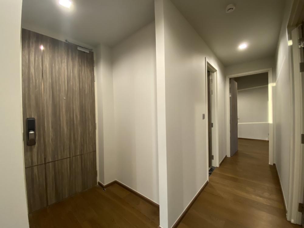 For SaleCondoSukhumvit, Asoke, Thonglor : The owner sells at 8 hundred thousand ideo Q Sukhumvit 36 Ideo Q Sukhumvit 38, size 2 bedrooms, 2 bathrooms.